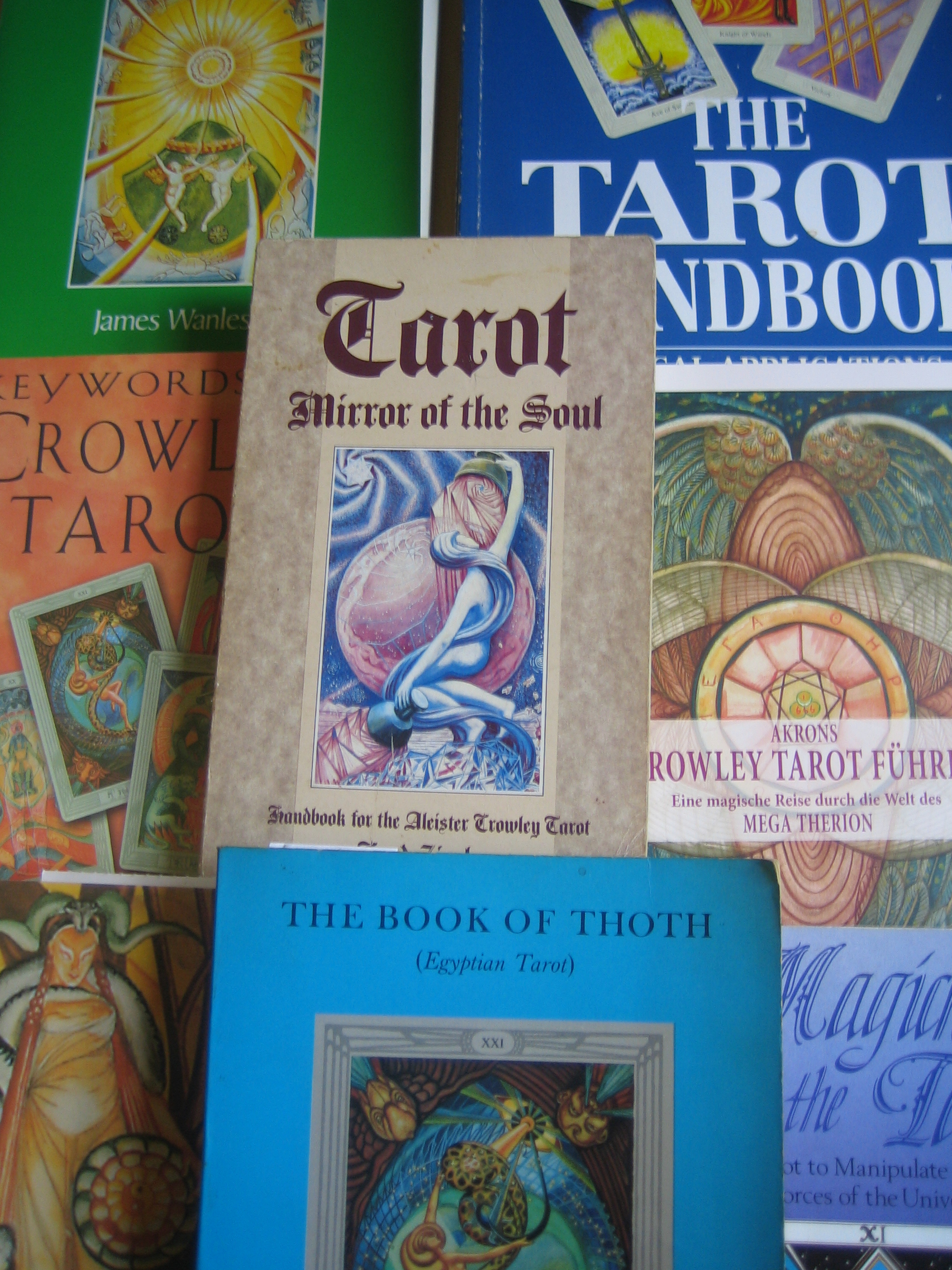 A Guide to Books on the Thoth Tarot |