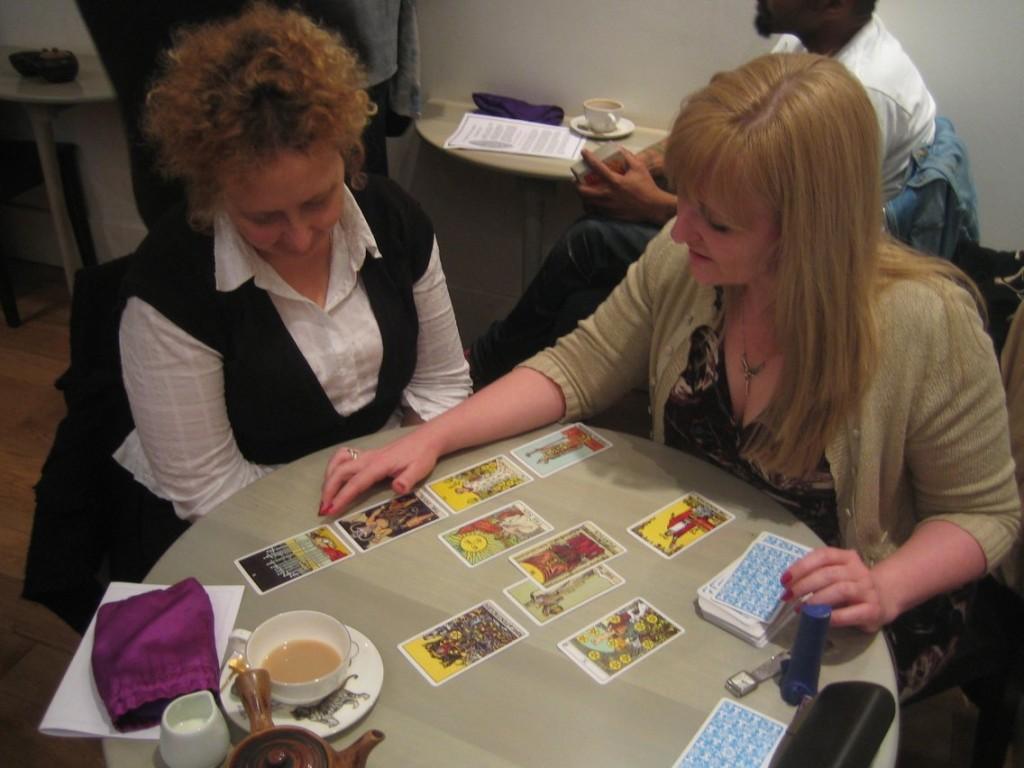 Sharing Tarot